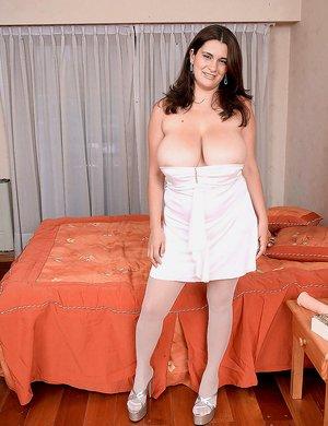 Boobs in Skirt Porn